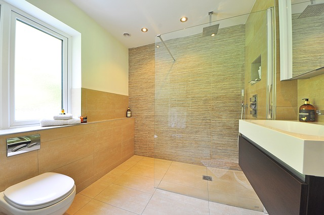 How to Clean Hard Water Stains from Shower Glass – Updated!